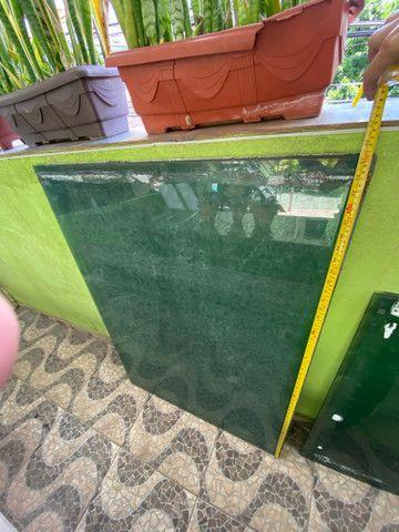 Vidro temperado 6mm verde 0,93x1,30  - Foto 2