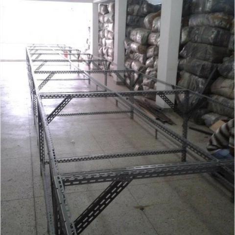 Colunas de aço p prateleiras, 3 m, novas - Foto 5