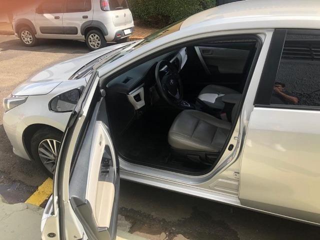 Vende-se Corolla 2016, Automático Prata GLI 1.8 com os Opcionais do XEI - Completo - Foto 6