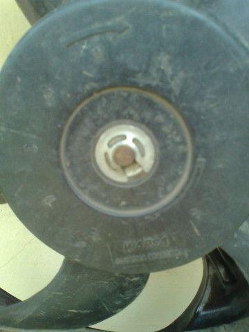 Ventoinha do Radiador Santana 1.8 1999 sem AC - Foto 4