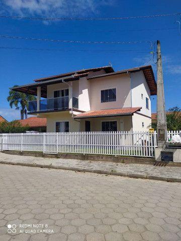 Sobrado à venda em Balneário Barra do Sul
