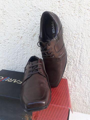 Sapato Ferracine e Pipper em couro Legítimo de 249 por 98 cor preto - Foto 4