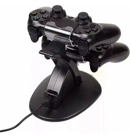 Base Carregamento Duplo Controles PS4 - Novo - Foto 2