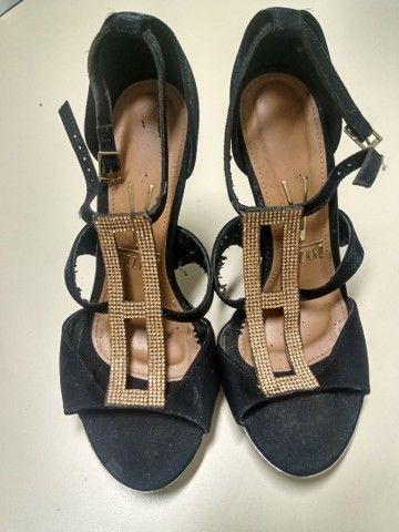 Estou vendendo esses sapatos numeração 33/34 e 34/35 - Foto 2