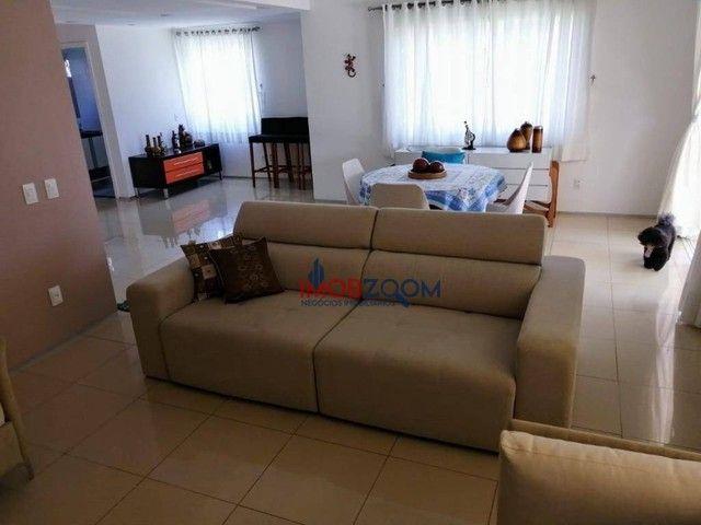 Linda casa duplex em condomínio no Eusébio