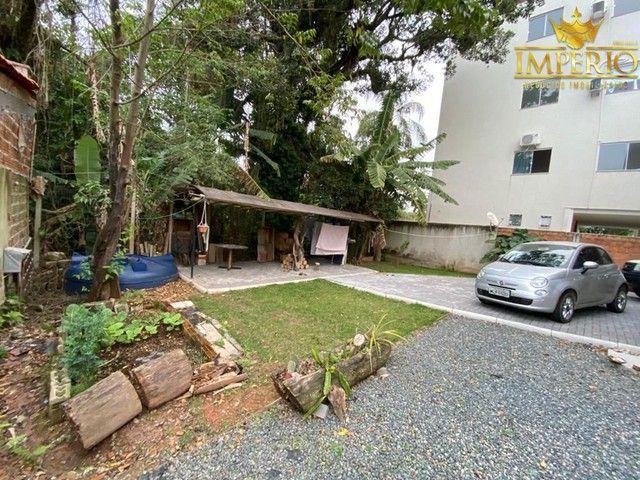 Casa com excelente localização em Bombas - Foto 11