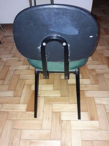 Cadeira escritório  em bom estado - Foto 2