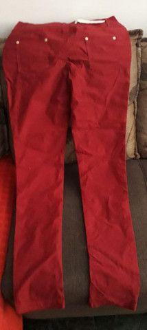 Calça vermelha tam. G, veste do 42 à 46. Estica bem. - Foto 2