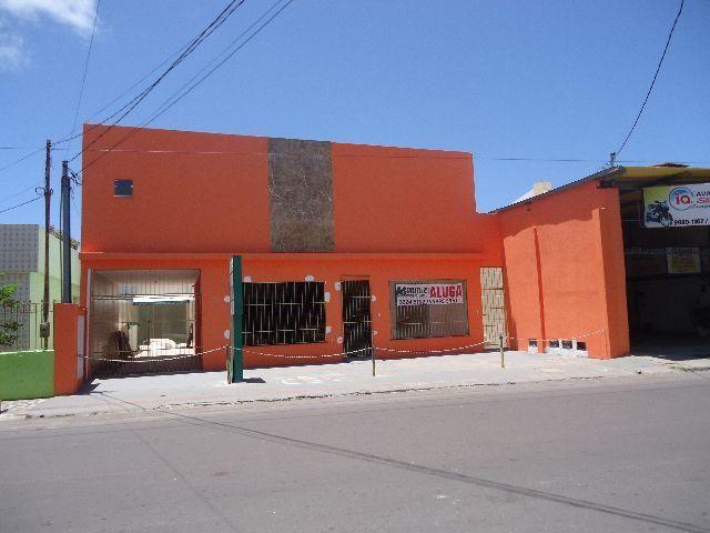 Apartamento na Av. Monteiro Lobato, c/ 2 quartos, Bairro Atalaia