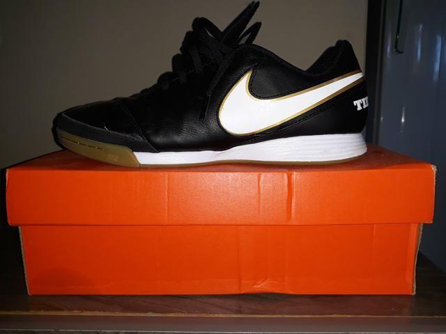 Chuteira de Futsal Nike Tiempox Genio ll Leather ic N° 41 Preço: 220,00