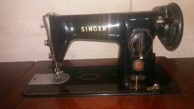 b7d14eef4 Vendo ou troco máquina de costura Antiga Singer super conservada com 70  anos de uso