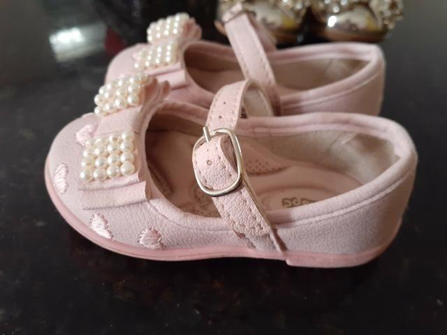 Lote 3 pares de sandálias - Foto 3