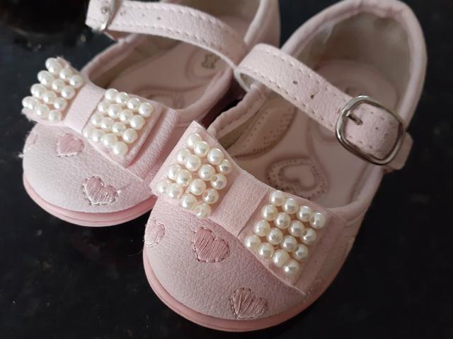 Lote 3 pares de sandálias - Foto 4