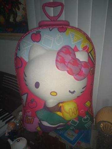 1 bolsa hello Kitty semi nova linda.
