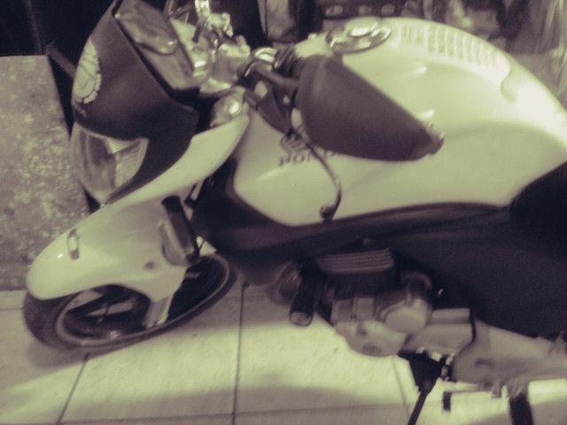 Moto honda 300 branca 30.000 klms - Foto 4