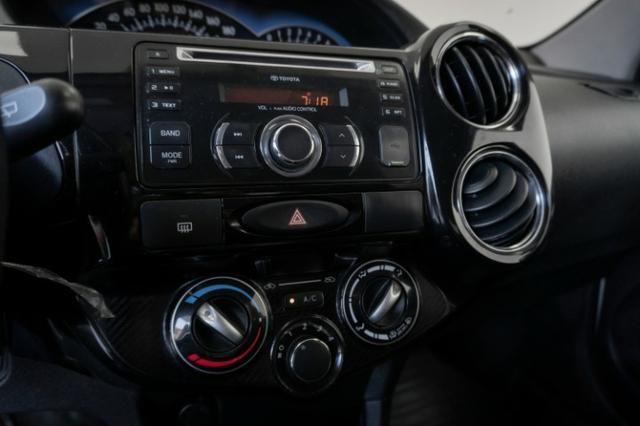 Toyota Etios XLS 1.5 Prata 2014 Completo - Foto 8