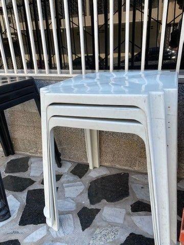 Liquidação de mesa plástica nova cor branca no atacado