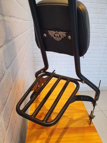 Sissy bar destacável Wings Custom - King com bagageiro, 30 pol. Harley-Davidson Dyna - Foto 3