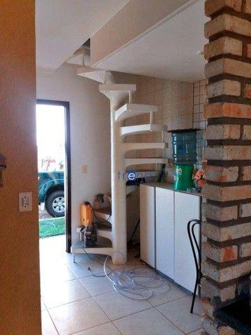 Casa no Porto das Dunas com 4 dormitórios e 100 m² - Foto 4