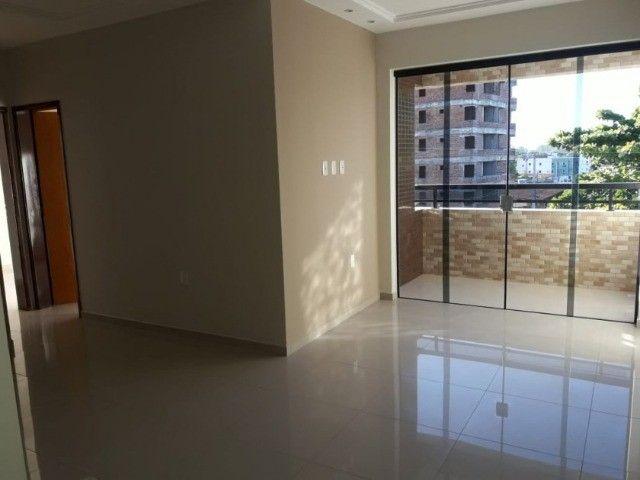 Apartamento com pé direito duplo no Bancários - Foto 2