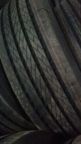 pneus novos rodas caminhão 275 295 - Foto 4