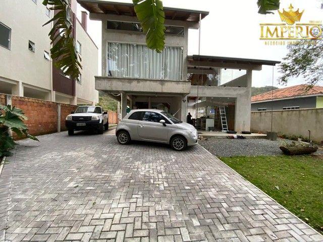 Casa com excelente localização em Bombas - Foto 8