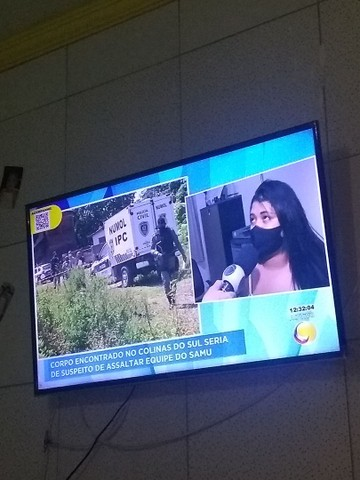 Televisão de 43 polegada