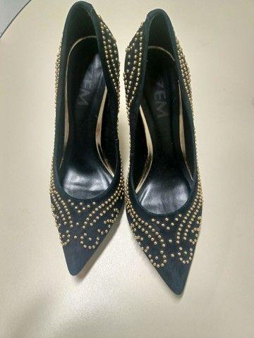 Estou vendendo esses sapatos numeração 33/34 e 34/35