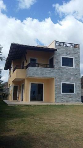 Casa Duplex localizada em um excelente condomínio na praia de Cumbuco
