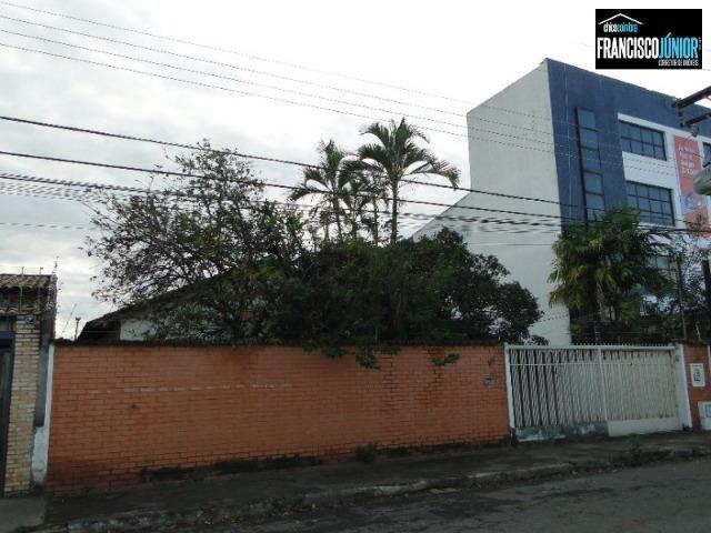 Casa no Setor Coimbra, 4 quartos, nascente e com ótima localização comercial e residencial - Foto 15