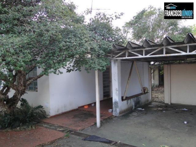 Casa no Setor Coimbra, 4 quartos, nascente e com ótima localização comercial e residencial - Foto 2