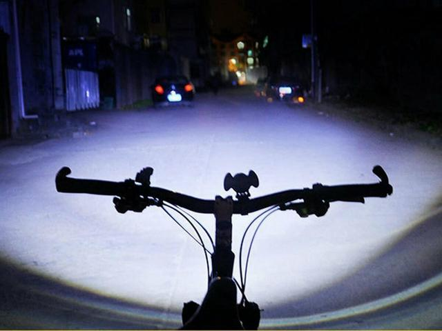 Farol de Bicicleta PROFISSIONAL + bateria recarregável. garantia e Entrega Grátis. - Foto 3