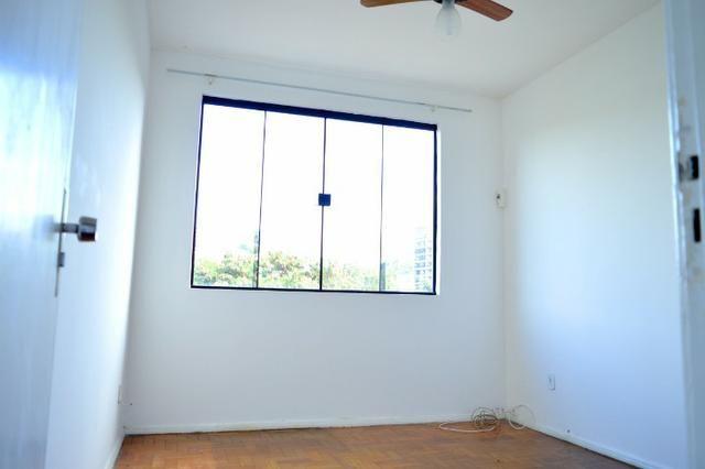 Apartamento de 3 Quartos Ano Bom - Foto 2