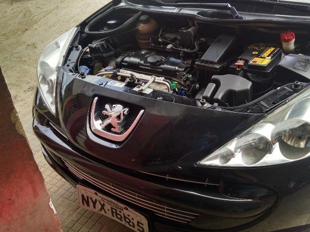 Peugeot 207 11/12 2 portas com apenas 47 mil KM originais, 2º dono