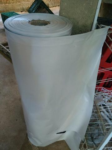 Lona de silagem preta e branca 300 micas 40 mt x 8 mt de largura, R$ 700,00