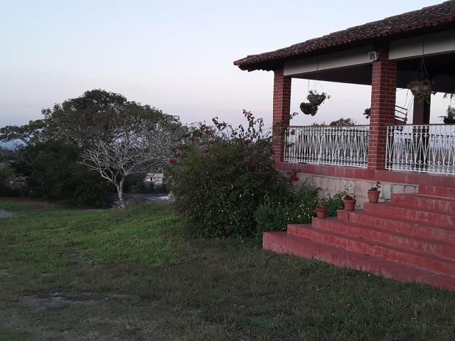 Chácara em Gravatá com 9 hectares, casa sede, 6 suítes, piscina com apoio, vista da BR-232 - Foto 8