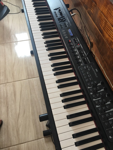 Teclado Roland RD300GX Usado