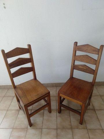 Cadeiras de madeira maciça o PAR