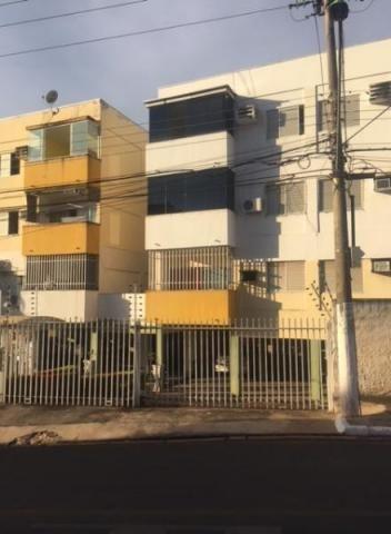 Apartamento no Ed. Antonio Correia