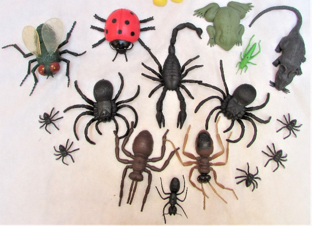 Kit Insetos De Borracha Aranhas Formigas Mosca C/18 - Foto 3