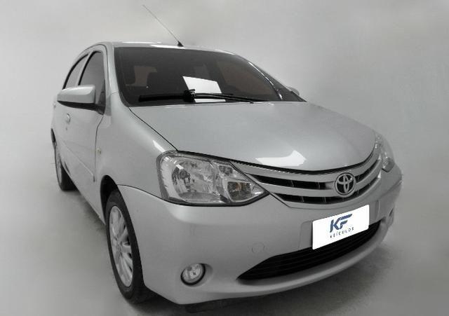 Toyota Etios XLS 1.5 Prata 2014 Completo