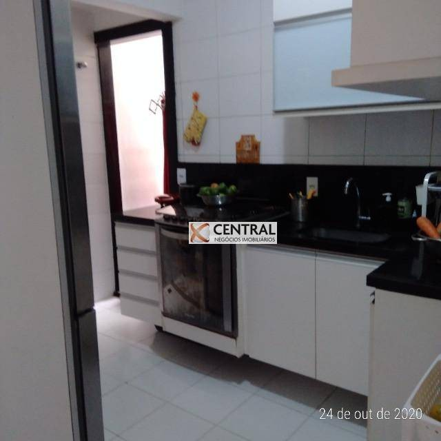 Apartamento com 3 dormitórios à venda, 76 m² por R$ 460.000,00 - Patamares - Salvador/BA