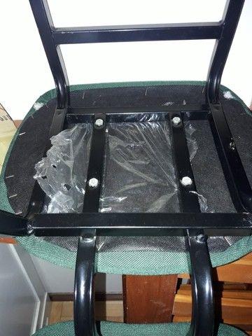 Cadeira escritório  em bom estado - Foto 4
