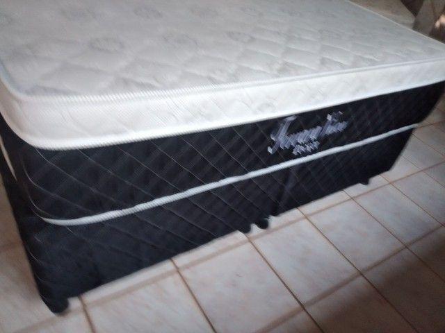 Vendo cama Queen Semi Nova - Foto 2