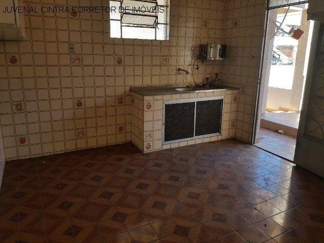 Vendo uma casa ampla em Itapuã, 7/4, suítes, comercial ou residencial R$ 850,0000! - Foto 6