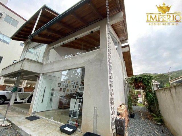Casa com excelente localização em Bombas - Foto 3