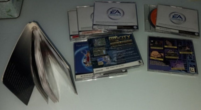 Kit Jogos Antigo Pc The Sims, Phantasmagoria E Full Throttle - Foto 2