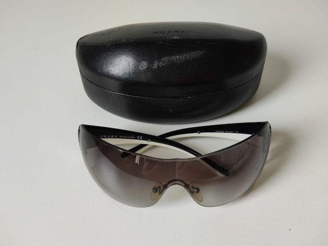 Óculos Escuro Prada SPR54G - Foto 6