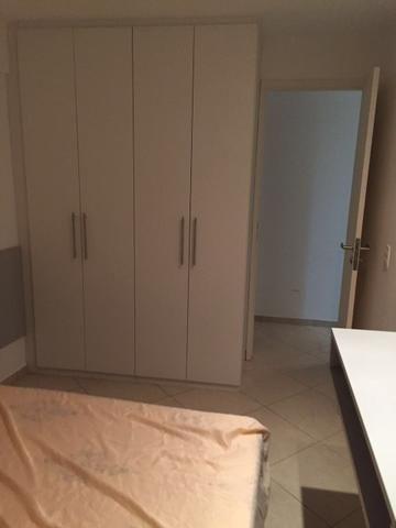 Quarto e sala mobiliado na Ponta Verde