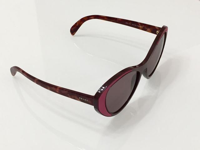 94e811db65e38 Óculos de Sol Prada PR 14US